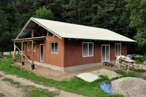 Salmu mājas sienu krāsas variants